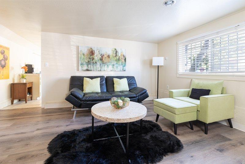 Bright & Spacious One Bedroom APT, alquiler vacacional en Oakland
