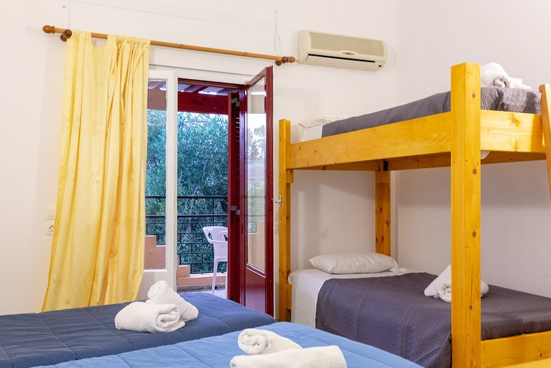 Wilde Rose hotel Dassia  4Beds room, holiday rental in Dassia