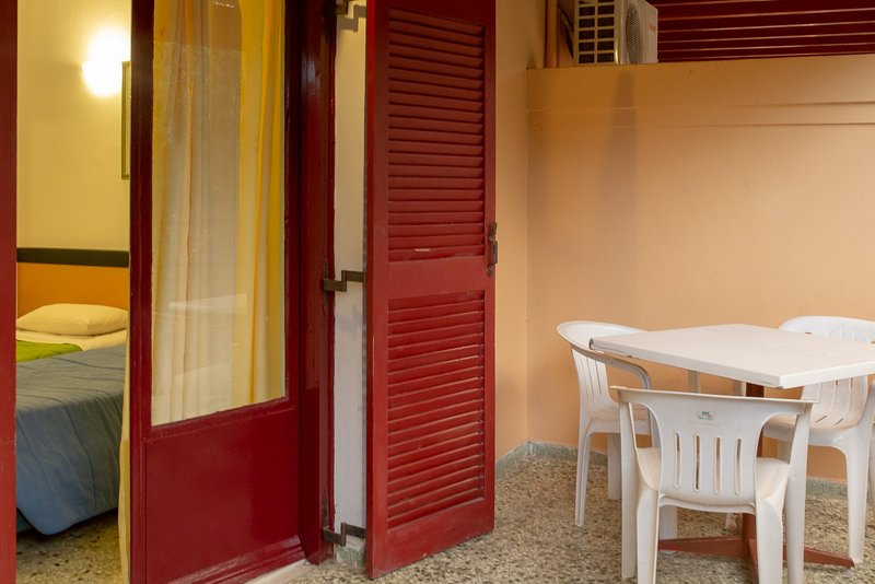 Wilde Rose hotel Dassia 1Double Bed Room, holiday rental in Dassia