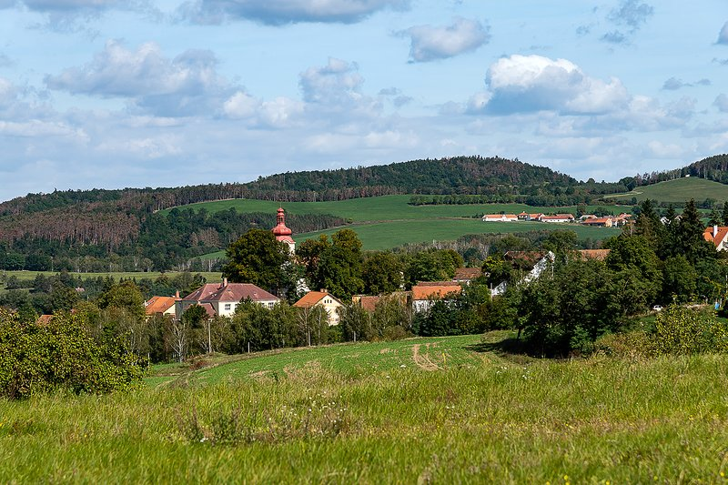 Rusty's Retreat Cozy Cottage one hour from Prague, holiday rental in Central Bohemian Region