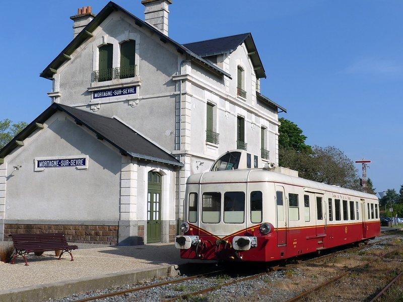 Trens vintage em Mortagne sur Sevre
