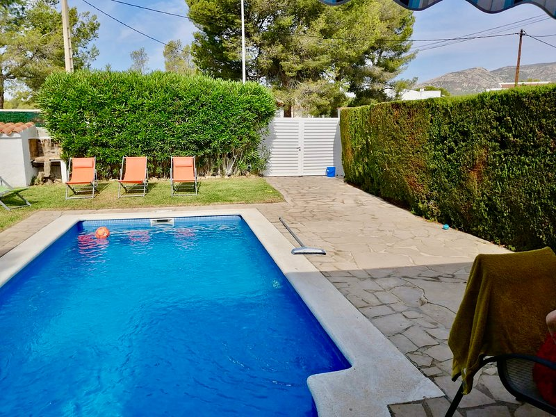 MEDDAYS VILLA KIARA CON PISCINA PRIVADA, vacation rental in Masriudoms