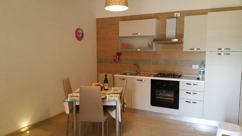 Prestigioso appartamento bilocale vicino al mare e al centro storico. I Gerani, location de vacances à Coppitella