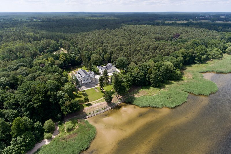 Manowce Palace - Luxury Exclusive Holiday Villa Near The Baltic Sea, Poland, holiday rental in Wolin