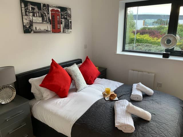 Belvedere Residence - Wolverhampton Town Centre - Executive, vacation rental in Wombourne