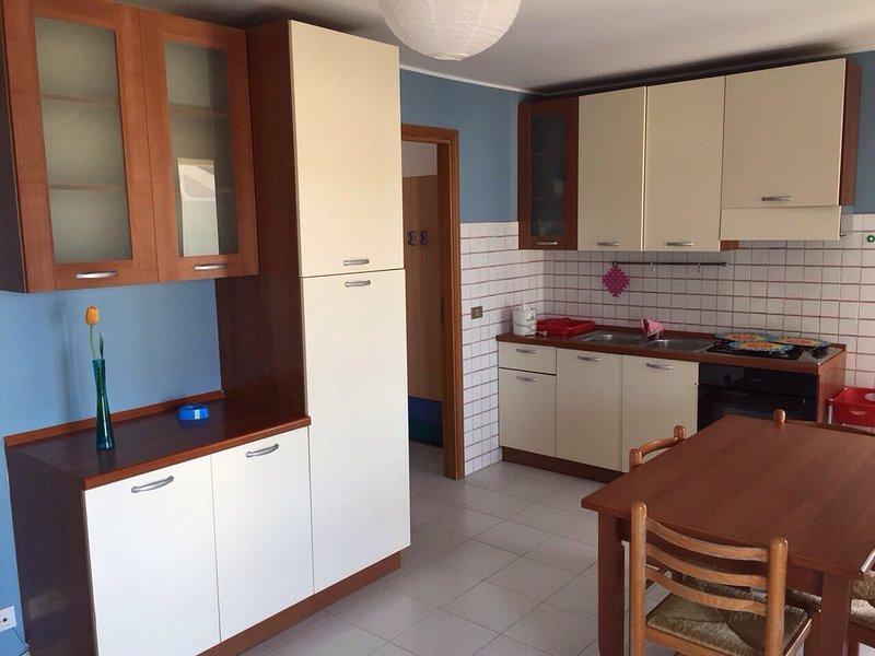 Beautiful apartment with sea view, vacation rental in Rocca di Capri Leone