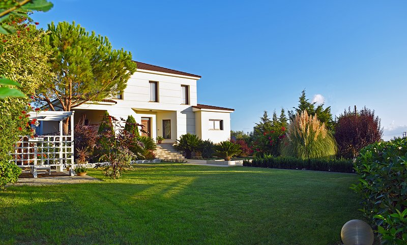 Villa Komfort, holiday rental in Kalpaki
