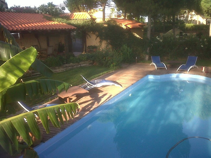 Amazing house with pool access, aluguéis de temporada em Minas de Riotinto