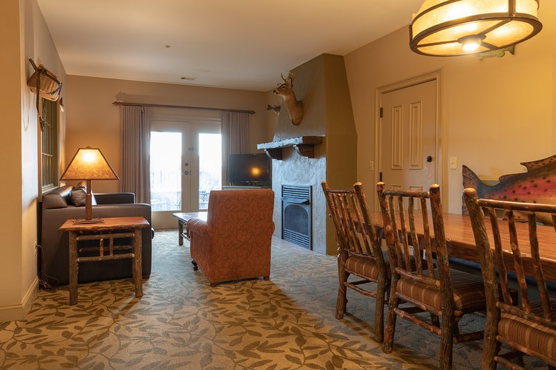 Wilderness Club™ at Big Cedar - 2 Bedroom Combined, vacation rental in Omaha