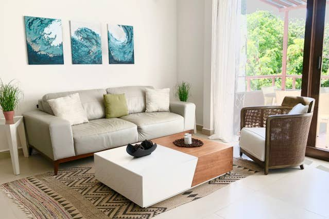 STEPS FROM POOL & GRILL AREA & RESORT ACCESS!!!, vacation rental in Chacalal