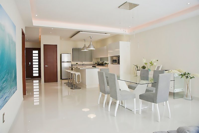 Beautiful luxury apartment, overlooking the sea, steps from the fifth avenue, holiday rental in Playacar