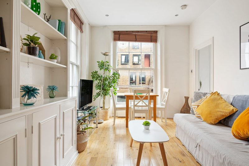 Cosy 1 bed in Covent Garden Has Central Heating and Wi-Fi ...