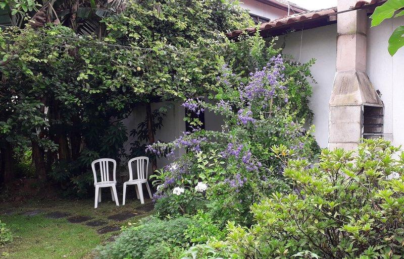 Oasis Martim de Sá - Borboleto - Lindo Apartamento de Ferias com Cozinha, holiday rental in Caraguatatuba