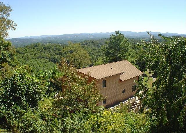 NOW BOOKING! DREAMVIEW - Unbelievable Long Range Views, WiFi, Pool Table, holiday rental in Piney Creek