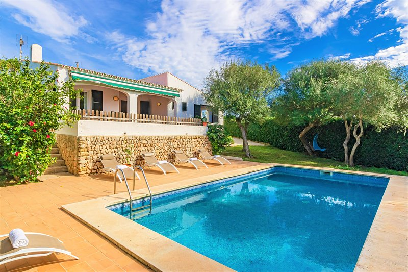 Villa de's Ullastres ❤️ Free AC and WiFi, private pool, vacation rental in Cala Llonga