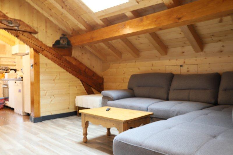 Charme, cachet et confort en plein coeur de la vallée du Trient, holiday rental in Bovernier