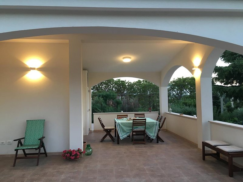 Beautiful apartment with terrace, holiday rental in Scamardella