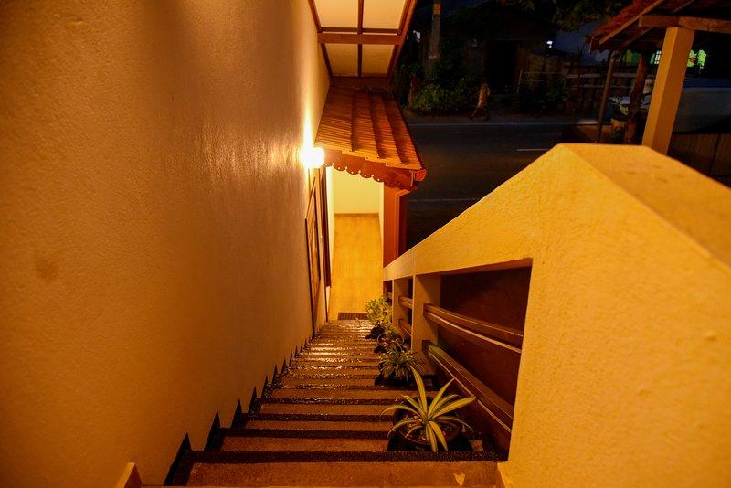 Entire Property in Pitiwella 'Wagon Wheel Inn', holiday rental in Rathgama