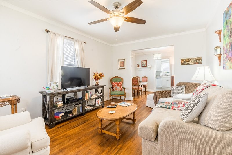 Cozy & Cumberland - Minutes to downtown Greenville and walking distance to shops, holiday rental in Greer