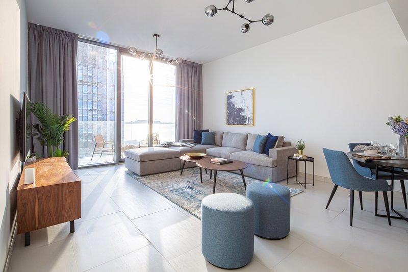 Modern Luxury 3BR Apartment on Palm Jumeirah!, alquiler de vacaciones en Jebel Ali