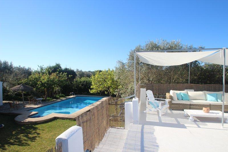 141167 Sunny Villa & Pool 4km to Beach, Pollensa, vacation rental in Pollenca