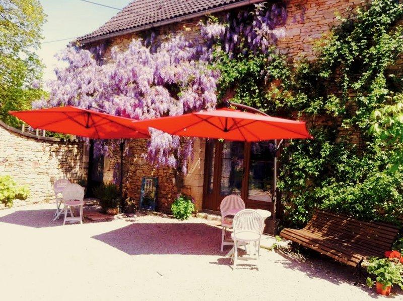 Dordogne Barn Conversion close to Lascaux/Sarlat, location de vacances à Cublac