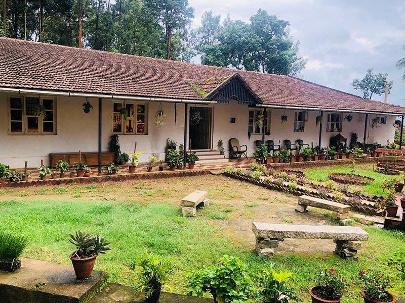 Sampigekhan estate stay, holiday rental in Chikmagalur