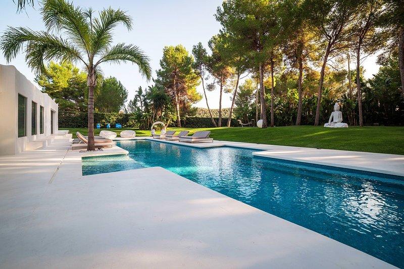 Villa Sound, holiday rental in Es Codolar