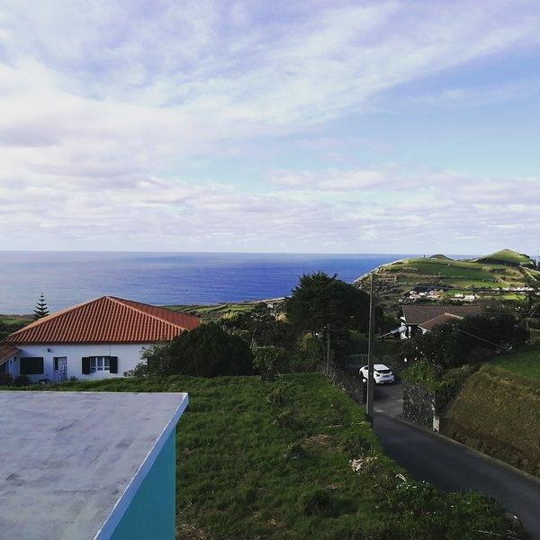 Lurdes House - Casa de férias com vista para mar e montanhas, holiday rental in Varzea