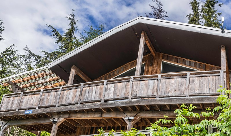 Skidegate Inlet Retreat Raven Suite and Eagle Suite, vacation rental in Graham Island