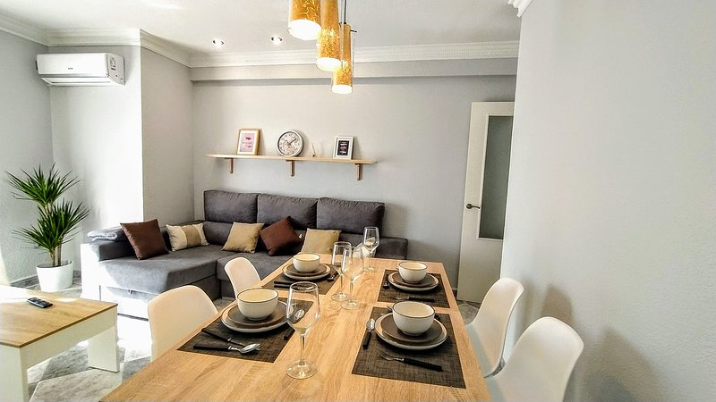 The Cathedral Home, holiday rental in La Rambla