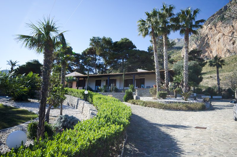 Villa Jordan, location de vacances à Zarbo di Mare