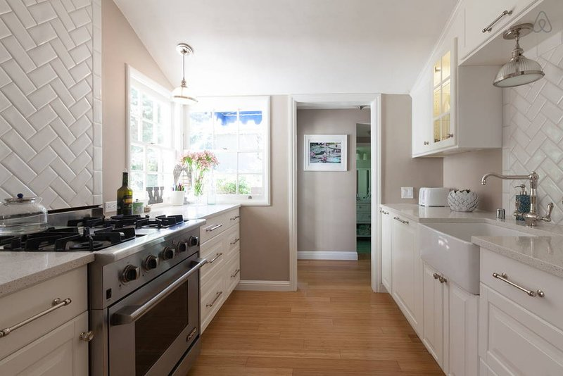 Charming, Sunny 3edroom Home 30 Mins from San Francisco - Family Luxury!, holiday rental in Canyon