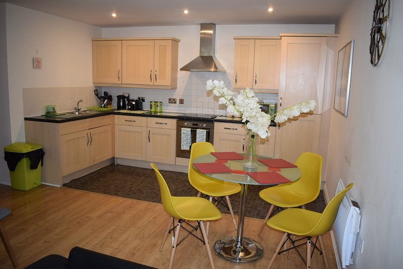 ASHLEY COURT - Watford Town centre apartment, vacation rental in Northwood