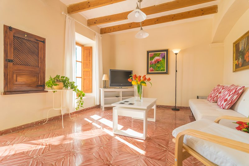 CAN TORRÉ - Chalet for 3 people in ANDRATX, holiday rental in Peguera