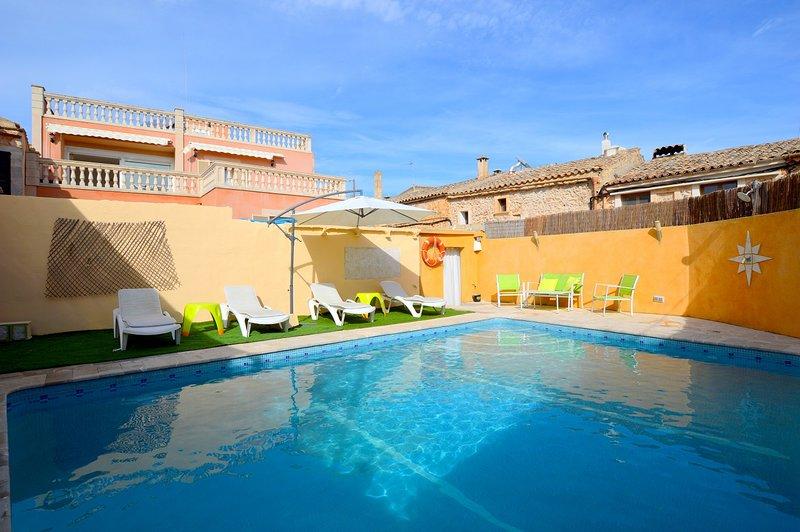 Casa con piscina Gran Vista, holiday rental in Llubi