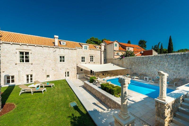 Villa Zaton Heritage Mansion – Luxury stone villa with pool, Zaton, Dubrovnik, alquiler vacacional en Zaton