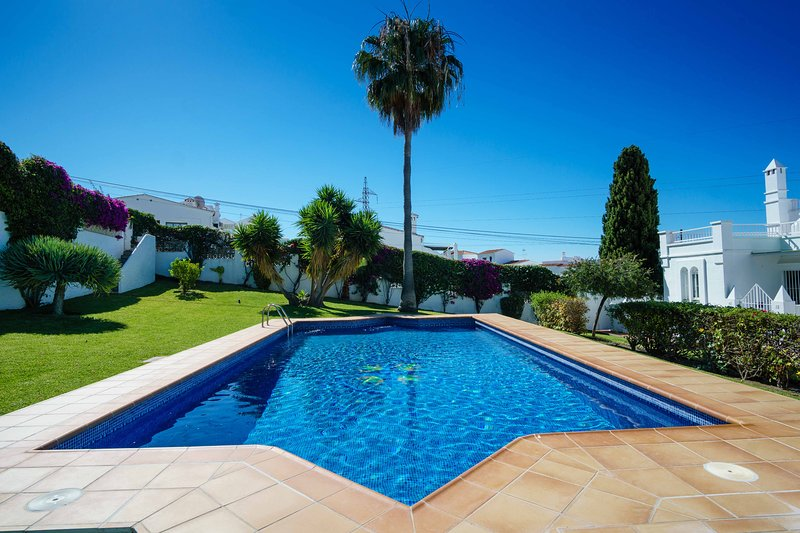 VILLA ANGIE, holiday rental in Nerja