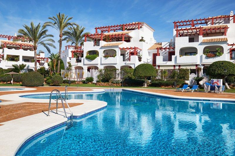 4 Bedroom Penthouse in Noray, San Pedro Beach, vacation rental in San Pedro de Alcantara