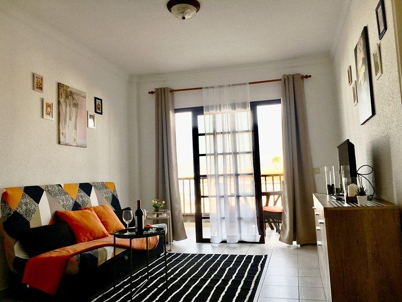 Silvia Apartment A place to relax, alquiler de vacaciones en Costa del Silencio