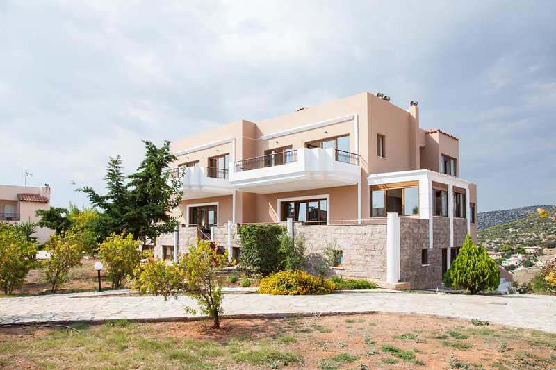 Villa Apex Lagonisi, vacation rental in Koropi