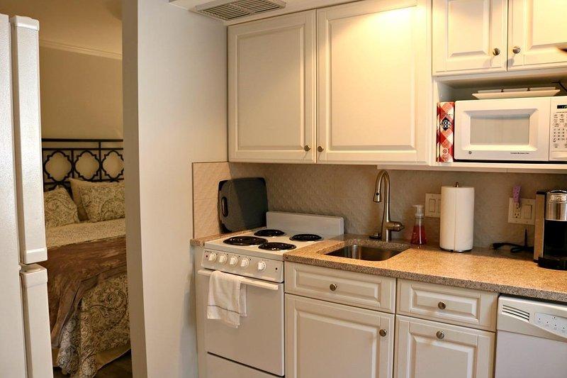 Ambientazione interna, Camera, microonde, forno, cucina