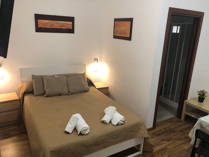 Regina Siria Rooms Elite  situato su scala S.M. del Monte Patrimonio dell'UNESCO, casa vacanza a Caltagirone