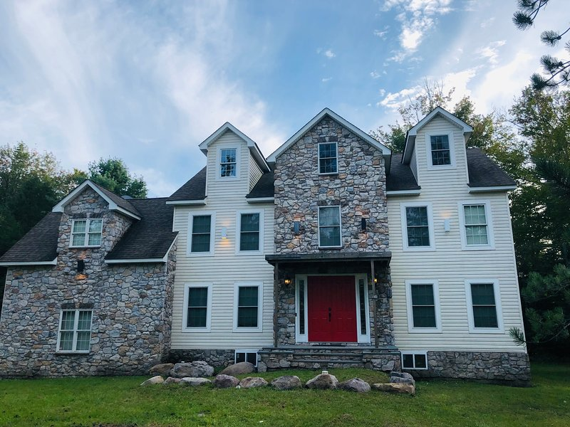 Beautiful Spacious Home, vacation rental in Tobyhanna