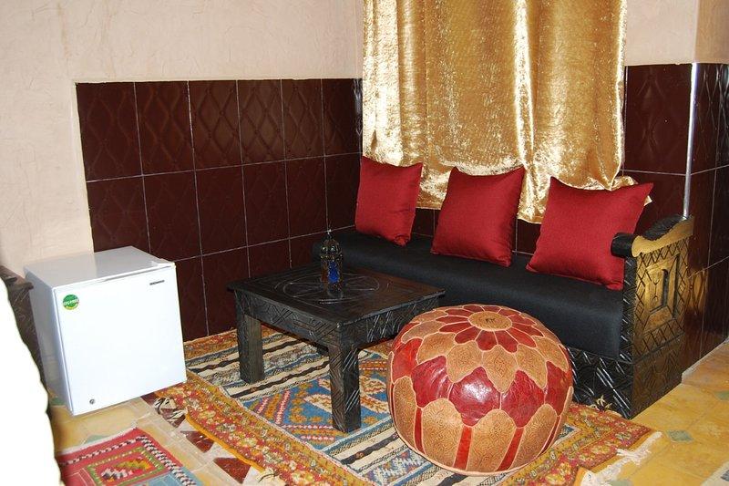 suites pour 4 personnes, vacation rental in Ait Iaaza