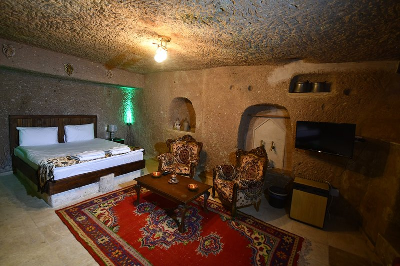 Larissa Cave House (inc. breakfast&hot beverages), holiday rental in Goreme