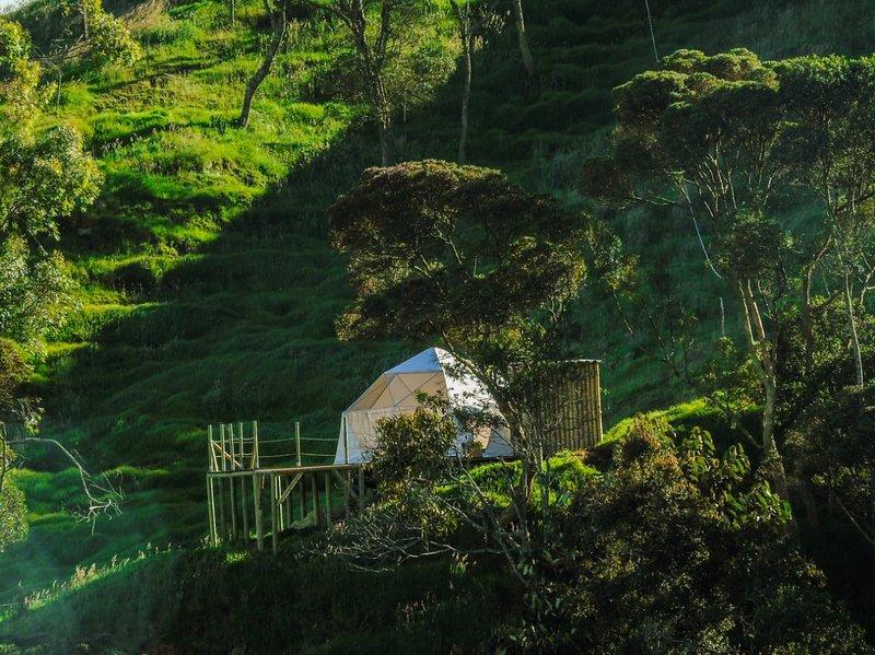 Glamping con vista cerca a Medellín (San Pedro), holiday rental in San Jeronimo