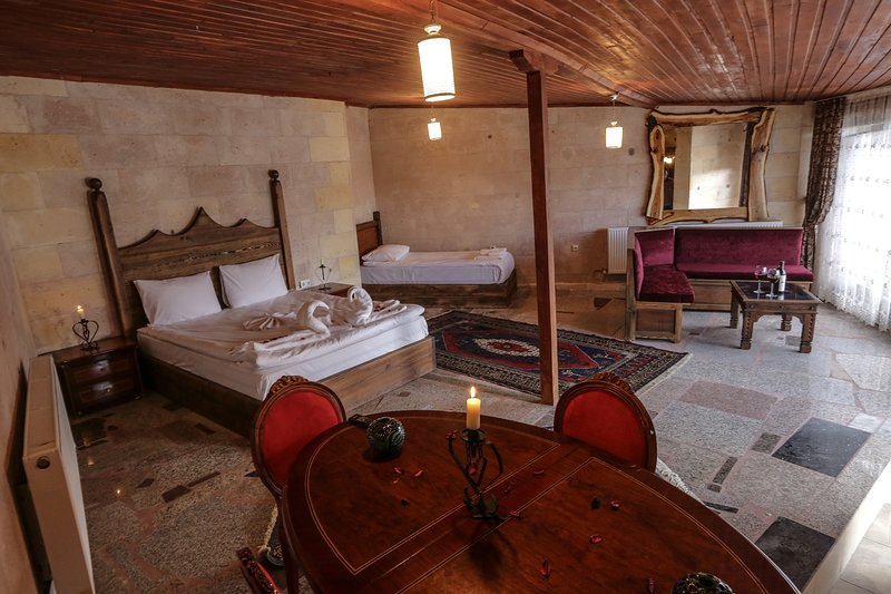 Larissa Cave House (inc. breakfast&hot beverages), holiday rental in Uchisar