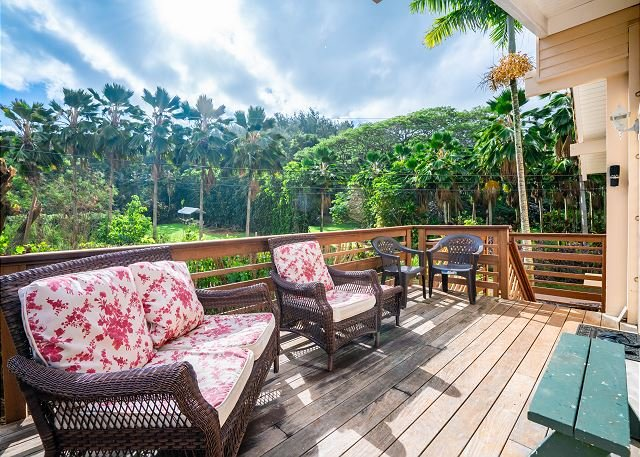 2bdr /1 bath + loft, in lush jungle setting and just steps to the ocean!, vacation rental in Anahola