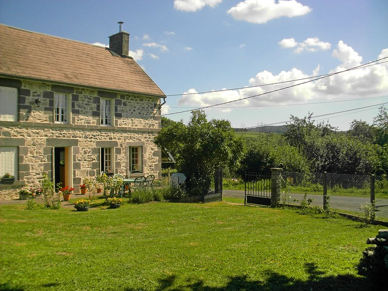 O'Petit Bonheur, holiday rental in Saint-Pierre-le-Chastel